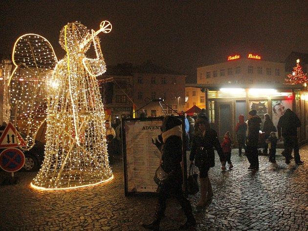 Advent dvakrát uzavře střed Znojma. Kvůli vánočním akcím