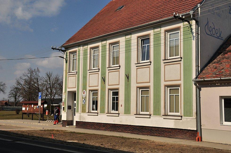 Obecní úřad v Hevlíně