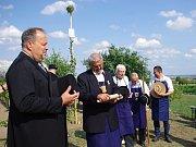Tradiční zarážení hory uspořádal v sobotu Spolek přátel Hroznové kozy.