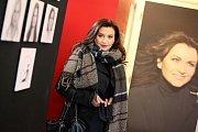 Mladá režisérka dokončuje film Jak se moří revizoři. Peníze na dokončení projektu získala od fanoušků.