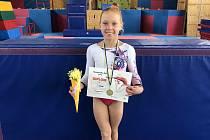 Veronika Kubošná, která nastupuje za Klub sportovní gymnastiky Znojmo, získala zlatou medaili na závodech ve Zlíně.