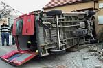 Hasiči zasahovali v neděli u nehody v Suchohrdlech.
