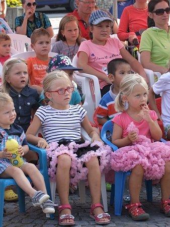 Herci sehrají pro děti loutková představení ještě ve dvacítce obcí.