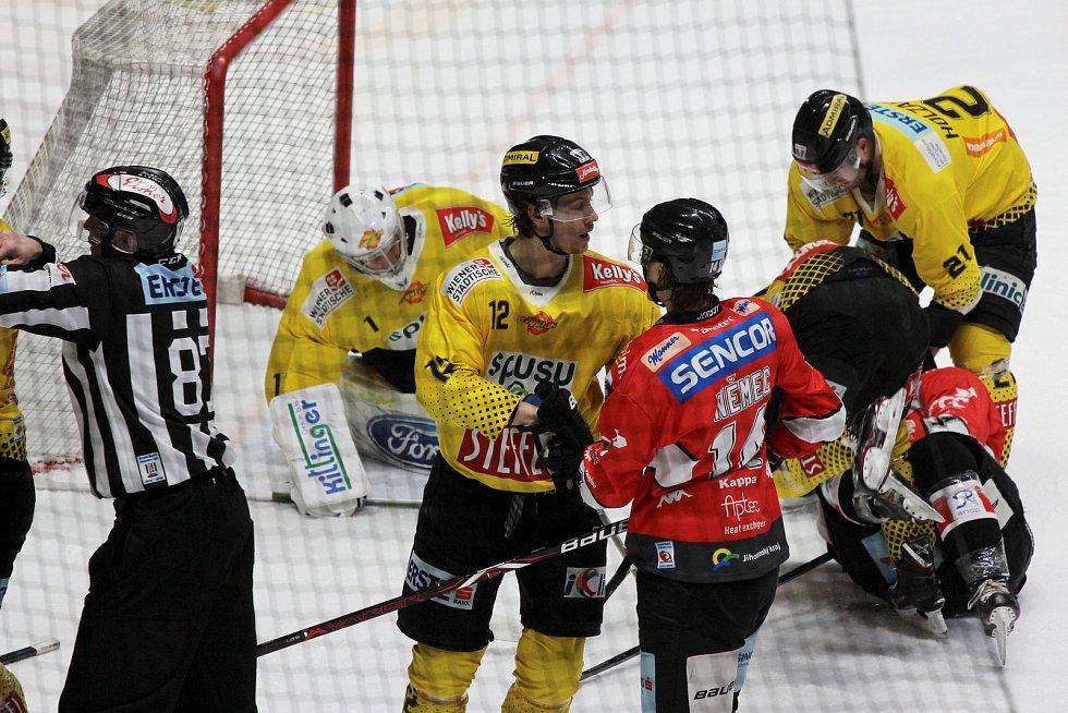 Druhý zápas čtvrfinále play-off sehráli znojemští Orli proti Vienna Capitals v pátek večer.