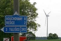 Vetrná elektrárna nedaleko Tulešic. Ilustrační foto.