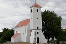 V soutěži se utká také kostel sv. Jakuba Většího v Černíně, který se dočkal celkové obnovy.