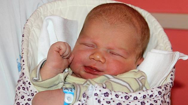 První miminko narozené letos v kraji Jonáš Dojčar. Vážil 3,94 kilogramu a měřil 52 centimetrů. Narodil se ve Znojmě 54 minut po půlnoci.
