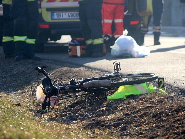 Dodávka srazila cyklistku v Hrádku. Vrtulník ženu transportoval do fakultní nemocnice v brněnských Bohunicích.