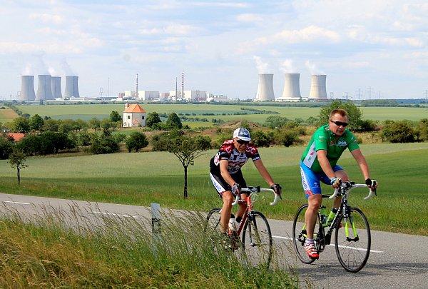 Nedaleko vesničky Rešice se nachází Jaderná elektrárna Dukovany.