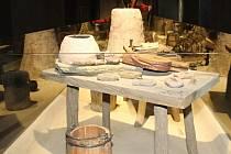 Moderní archeologická expozice přišla na pět milionů korun a zabírá tři sta metrů čtverečných. Láká mimo jiné na řadu interaktivních prvků.