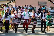 Miroslavská chasa slavila tradiční krojované hody.