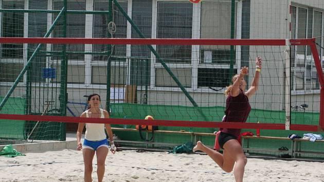 Michaela Kubíková (vpravo) v akci na znojemském turnaji