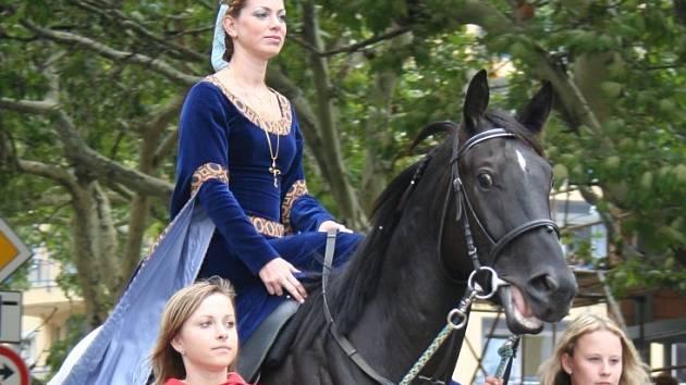dagmar Štrausovou letos nahradí dosud utajovaná žena.