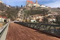 Most přes Dyji pod znojemskou přehradou už slouží.