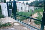 V nejnižší části Hlubokých Mašůvek si soukromý majitel opravuje bývalý vodní mlýn.