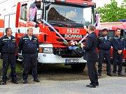 Višňovští hasiči se dočkali nové cisterny.