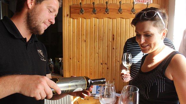 Místo Vinobraní vyrazili turisté na vinařské t(ri)py