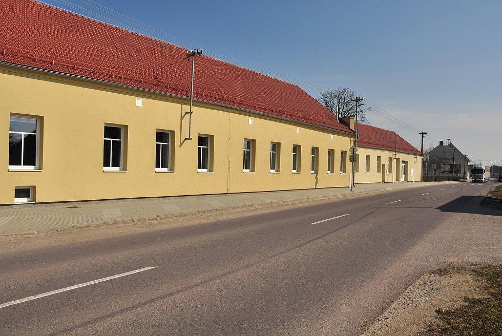 Opravený kulturní dům v Hevlíně