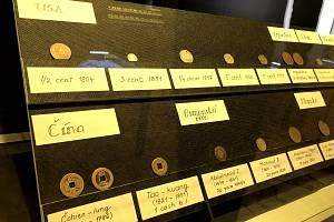 Výstava mincí je rájem pro všechny numismatiky.
