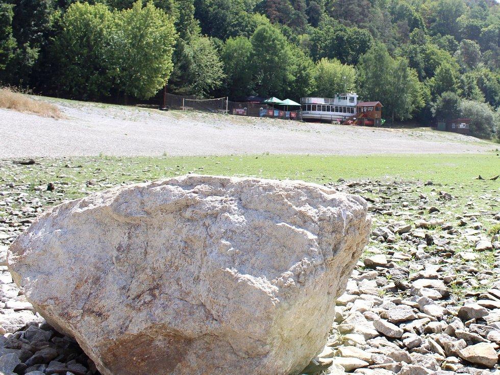 Situace z léta v bítovské zátoce Horka, kde bylo extrémně málo vody.