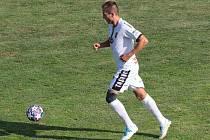 Fotbalista Tasovic Pavel Lapeš pomohl svým gólem k remíze 2:2 na pažitu Hodonína.