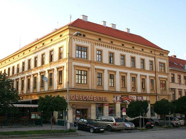 Někdejší vyhlášená znojemské restaurace Corso na Komenského náměstí.
