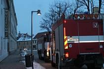 Jednotky hasičů vyjížděly ve čtvrtek navečer k Jihomoravskému muzeu ve Znojmě.