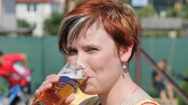 Šnekovy pivní slavnosti nabídly v Oblekovicích pohodovou venkovskou atmosféru a desítky zajímavých druhů piva.