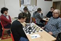 Šachisté se sešli o první březnové neděli k jednomu z posledních kol okresního přeboru.