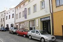Hudební klub Zkušebna je nyní zavřený.