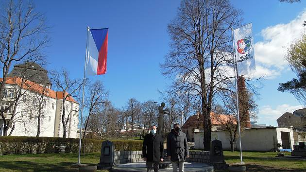 Miroslavští se připojili k oslavám stého výročí státní vlajky