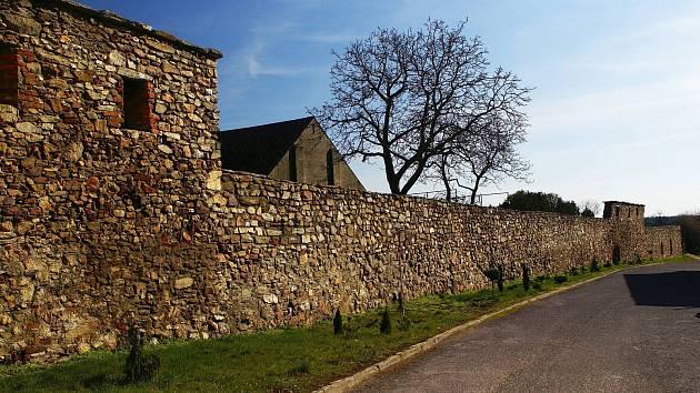 Znojemské sdružení chce stezku kolem historického Hradiště. Nereálné, míní město