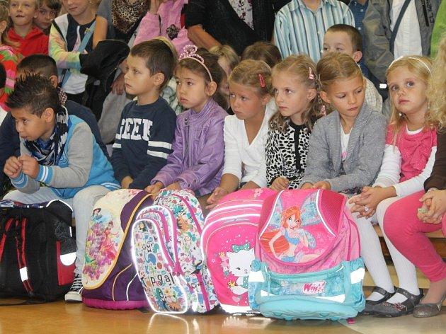 Své prvňáčky slavnostně přivítali i na Základní škole Pražská.