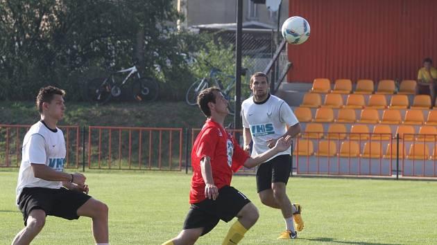 V rámci přípravy si znojemští hokejisté zahráli i fotbal proti svým fanouškům.