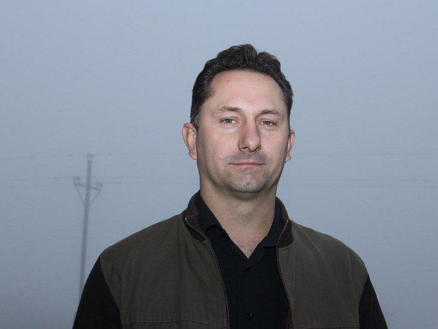 Osmatřicetiletý starosty obce Bítov René Jelínek pochází ze Suchohrdel na Znojemsku.