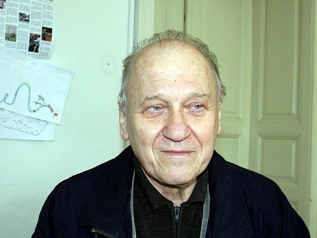 Josef Lahodný organizuje šachový festival.