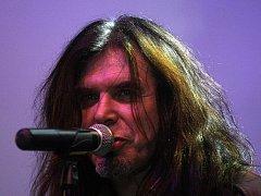 Frontman a zpěvák kapely Kern Jaroslav Albert Kronek.