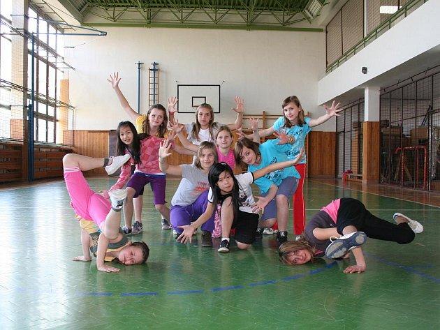 Taneční skupina DNYS.