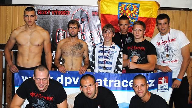 Znojemští bojovníci MMA.