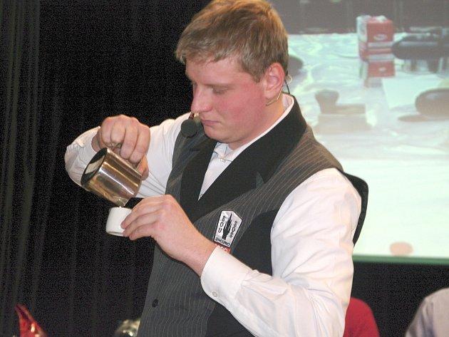 Dvanáct baristů ze tří škol soutěžilo ve Znojemské Besedě v soutěži v přípravě kávy Coffee star.