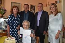 Poslední znojemská žijící partyzánka oslavila 95. narozeniny.
