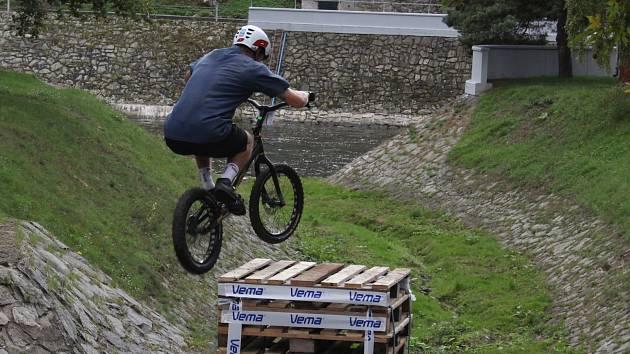 Znojemské Gránice ožily biketrialovým závodem.