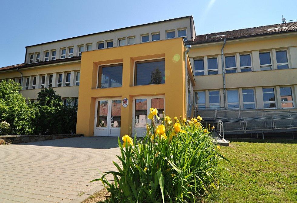Základní škola Božice