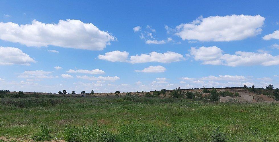 V bývalé pískovně v Božicích na Znojemsku má vyrůst skládka odpadu, místní se bojí o kontaminaci podzemních vod.