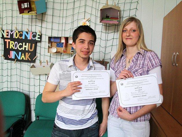 Studenti znojemské střední zdravotnické školy Veronika Hloupá a Leoš Adam si odvezli ze soutěže Tolerance v životě hned dvě ceny.