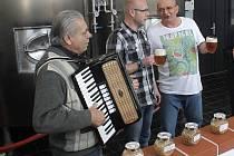 Slavnostní zahájení letošní sezony na Bítovsku a Vranovsku naplánovali letos pořadatelé do Hasičského pivovaru v Bítově.