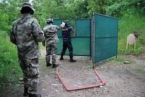 Přebor ve střelbě ze služební zbraně má za sebou více než sto policistů, kteří soutěžili na střelnici u Hodonic.