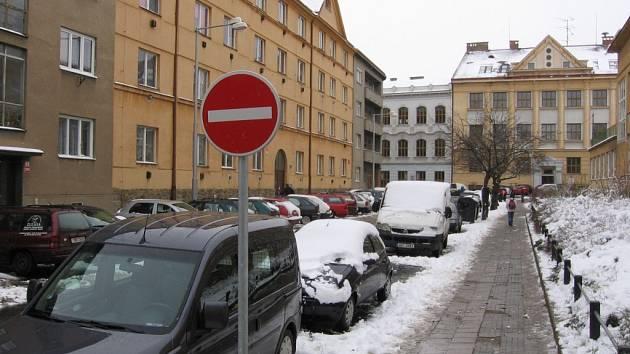 Do ulice Vrchlického se ze Smetanovy ulice už nesmí.
