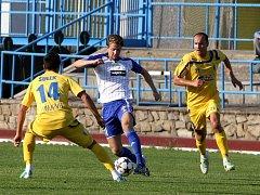 Reprezentační pauzu vypnili znojemští fotbalisté (v bílém) přátelákem s Myjavou, kterou porazili 2:0.