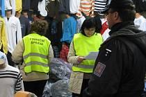 Zátah na obchodníky, kteří se vyhýbají placení daní, nebo je krátí, rozjela v sobotu v pohraniční tržnici v Hatích na Znojemsku společně celní a daňová správa.